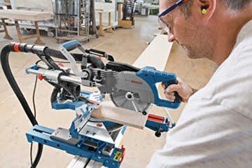 Bosch Professional GCM 8 SJL Paneelsäge (216 mm Sägeblattdurchmesser, Innensechskantschlüssel, Kreissägeblatt, Spannzwinge) blau -
