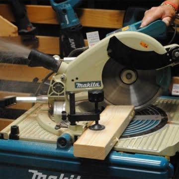 Makita LF1000 Tisch-, Kapp- und Gehrungssäge 68 x 155 mm -