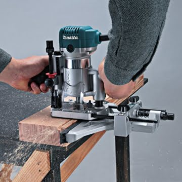 Makita RT0700CX2J Oberfräse und Trimmer -