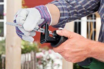 Bosch DIY Säbelsäge PSA 900 E, 1 Sägeblatt für Holz, 1 Sägeblatt für Holz und Metall, Karton (900 W, Schnittstärke 200 mm in Holz, 20 mm in Stahl) -