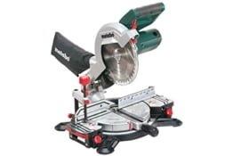 Metabo Kappsäge KS 216 M Lasercut / hochwertige Säge mit leistungsstarkem Motor und Laserstrahl & 2m Kabellänge, für exaktes Sägen -